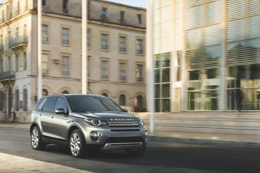 8 REASONS TO RENT A LAND ROVER TO GET OUT OF LONDON