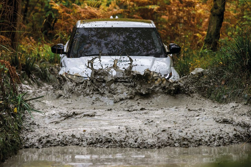WIN A LAND ROVER OFF-ROAD DRIVING EXPERIENCE